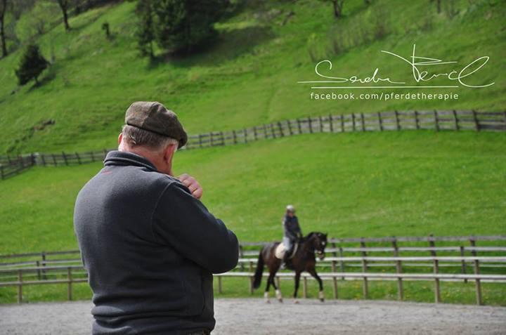 """viele Pferde werden heutzutage so """"über Takt"""" geritten"""