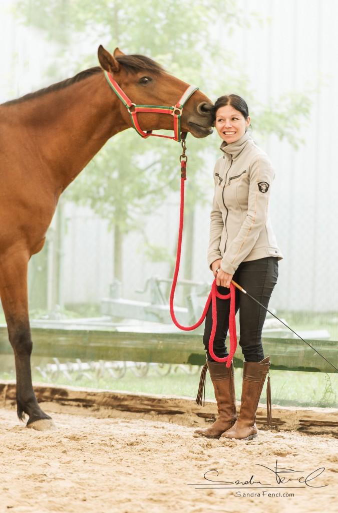 """Wenn die Beziehung mit dem Pferd passt und der gegenseitige Respekt vorhanden ist, dann kann man auch mal gemeinsam """"Mähne kraulen""""."""