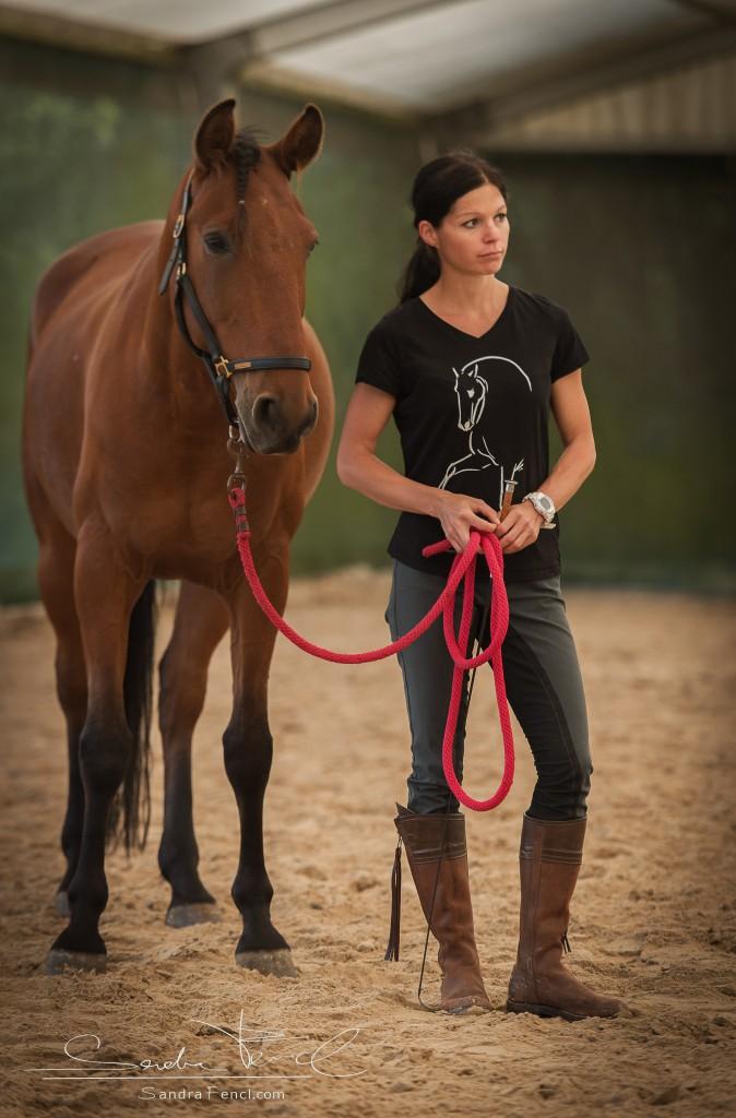 Nur wenn Du Dich selber entspannst, kann sich Dein Pferd bei Dir entspannen, wohl fühlen und somit gern mit Dir arbeiten!