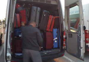 Bereits beim Kofferverladen stellten wir fest: Es wird abenteuerlich!
