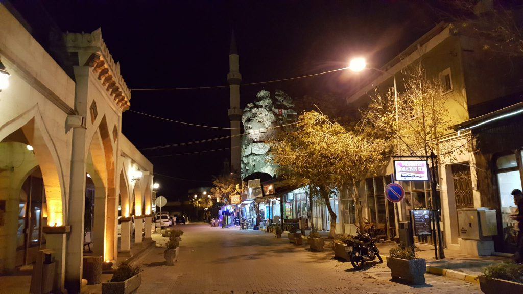 Abends machten wir noch einen kleinen Rundgang durch Mustafapasar.